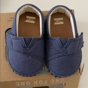 Excellent condition Baby Tom's